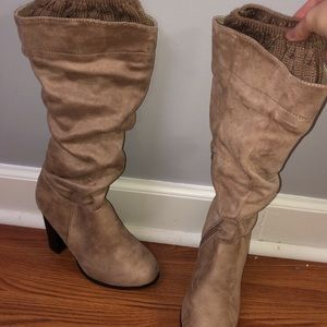 Shoes - Nude heel boots